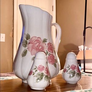 🌹Rose Floral Pitcher with Salt & Pepper Shakers🌹